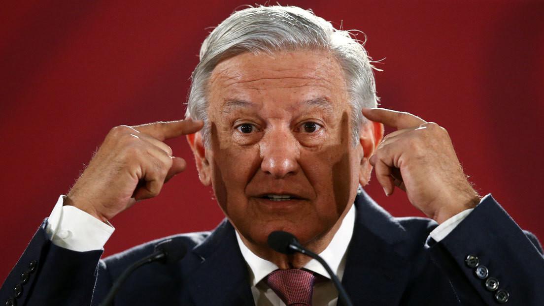 """López Obrador dice que usará cubrebocas """"cuando ya no haya corrupción"""" en México, en respuesta a la demanda de opositores"""