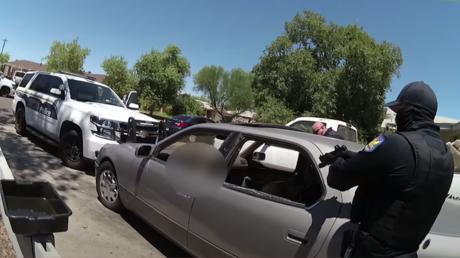 La Policía de EE.UU. mata a tiros a un joven en un auto aparcado y genera nuevas protestas en Phoenix