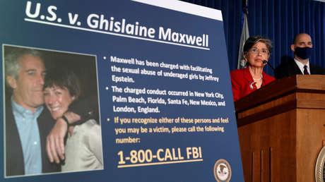 """Ghislaine Maxwell poseería """"una reserva secreta de videos sexuales"""" y """"copias de todo lo que tenía"""" Jeffrey Epstein"""