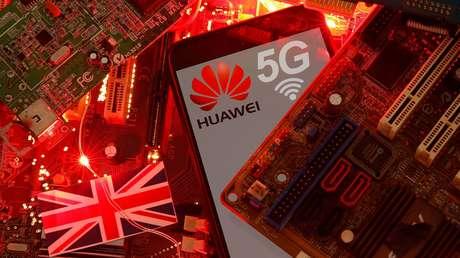 China dice que actuará para proteger sus intereses tras la prohibición de Huawei por Reino Unido