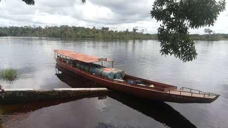 """Venezuela intercepta embarcación colombiana """"con características propias del contrabando de combustible"""" pero """"camuflajeada como ayuda humanitaria"""""""