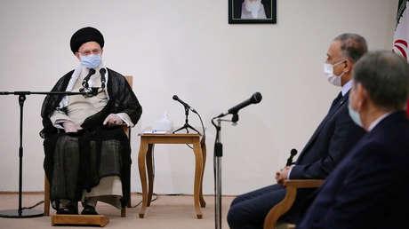 """Jameneí: Irán nunca olvidará el """"martirio"""" de Soleimani y """"definitivamente dará un golpe recíproco"""" a EE.UU."""