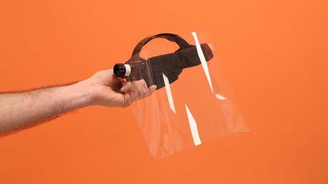 Detectan un brote de covid-19 entre personas que usaban protectores faciales en un hotel de Suiza