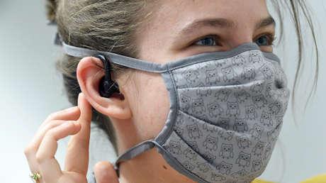El coronavirus puede alojarse también en los oídos