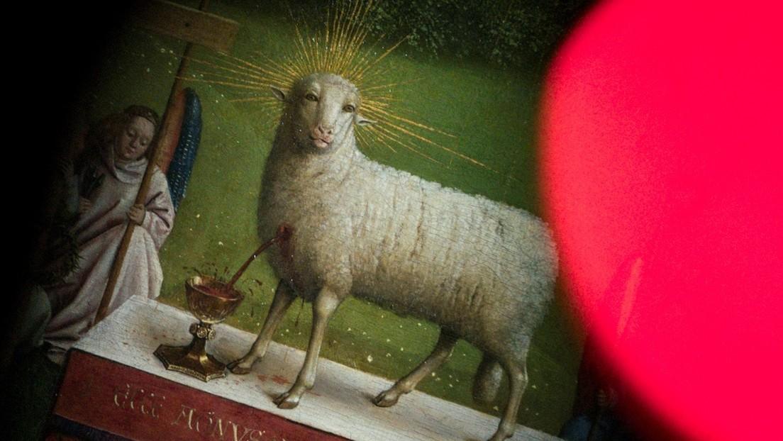 FOTOS: Revelan los rasgos originales del 'cordero místico' del famoso retablo de los hermanos Van Eyck