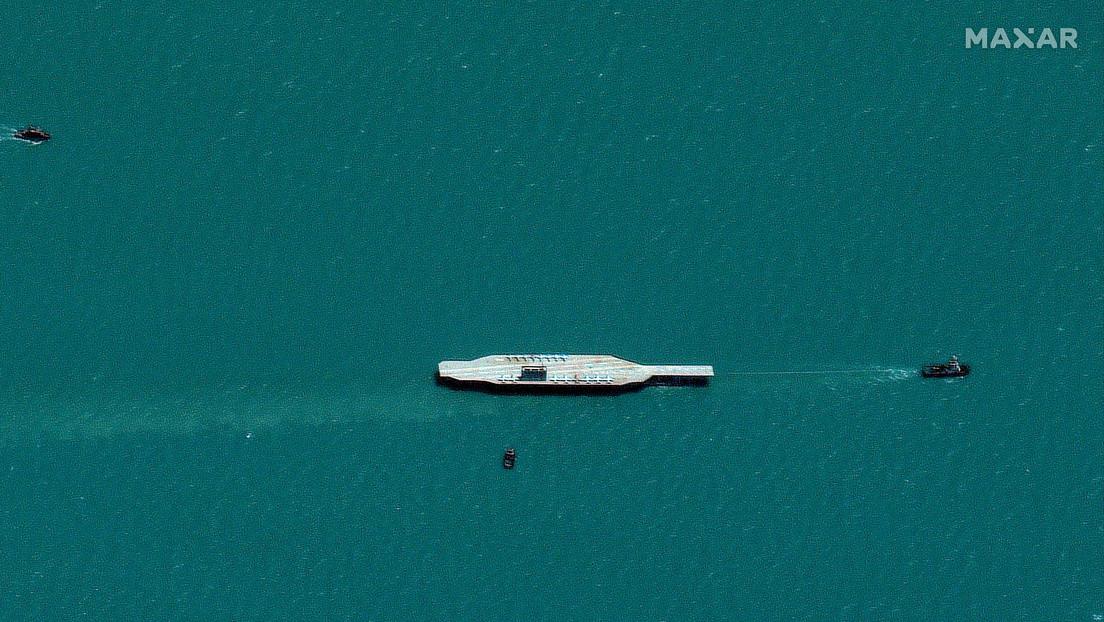 Irán hundió la réplica del portaviones estadounidense por error y en el lugar equivocado (FOTO)