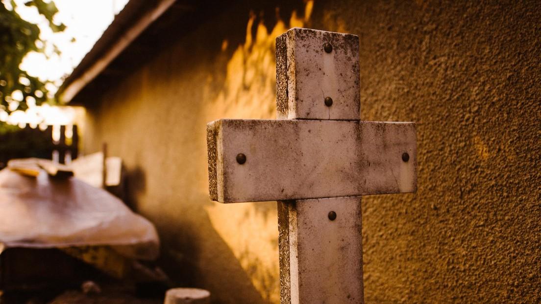 Empresarios bolivianos fabrican hornos crematorios móviles ante el repunte de muertes por covid-19