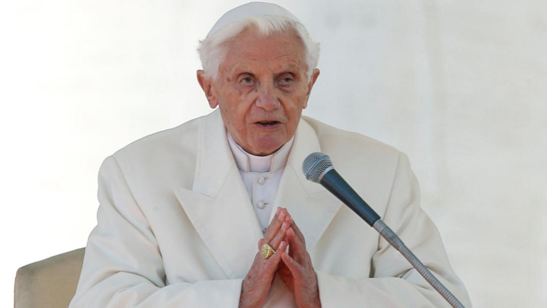 """El Vaticano afirma que el estado de salud de Benedicto XVI """"no es particularmente preocupante"""""""