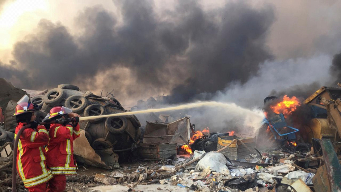 """""""Desastre nacional"""": Lo que se sabe de las explosiones en Beirut, equivalentes a un terremoto de magnitud 4,5"""
