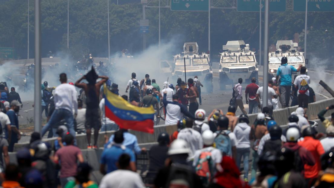 """Senador Chris Murphy acusa a Trump de arruinar """"la jugada perfecta"""" que garantizaría un exitoso golpe de Estado en Venezuela"""