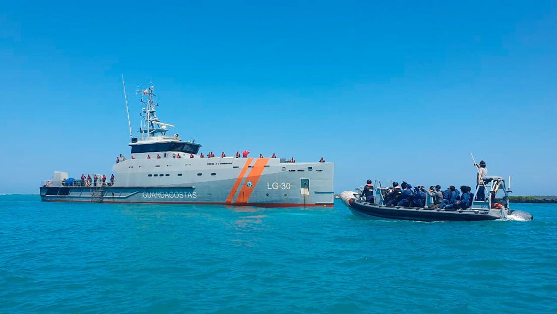 China acepta negociación con Ecuador tras escándalo por la presencia de pesqueros cerca de las Galápagos thumbnail