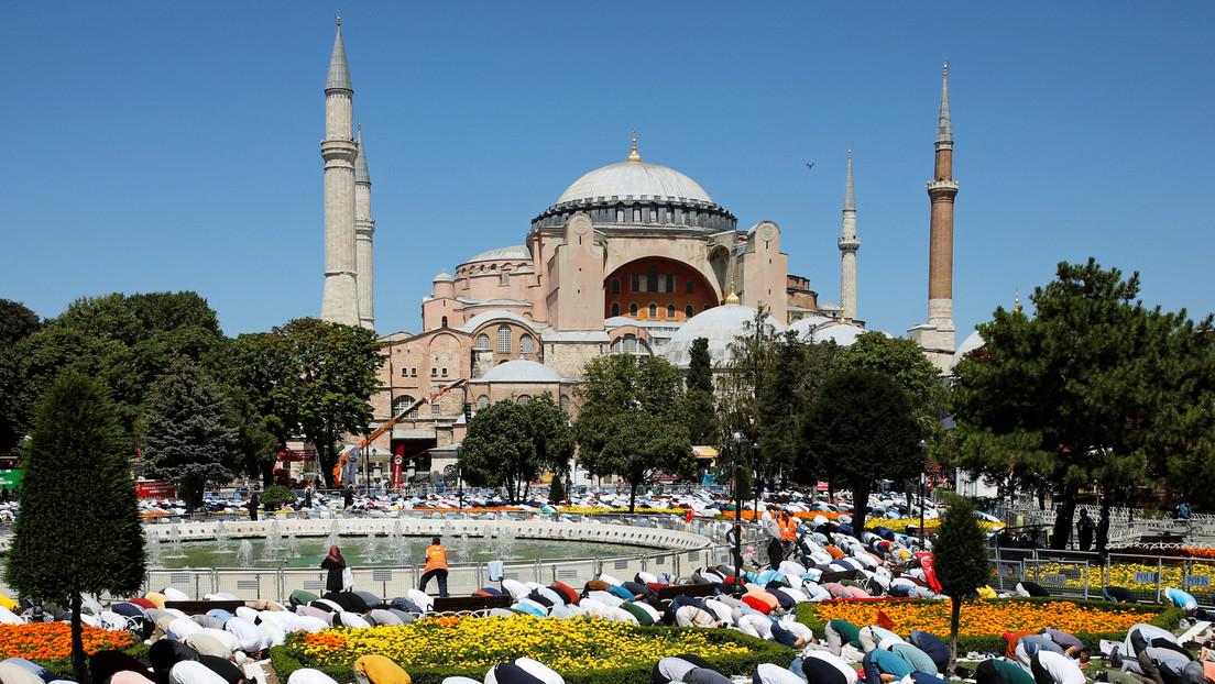 Muere un almuecín en Santa Sofia tras su reapertura como mezquita