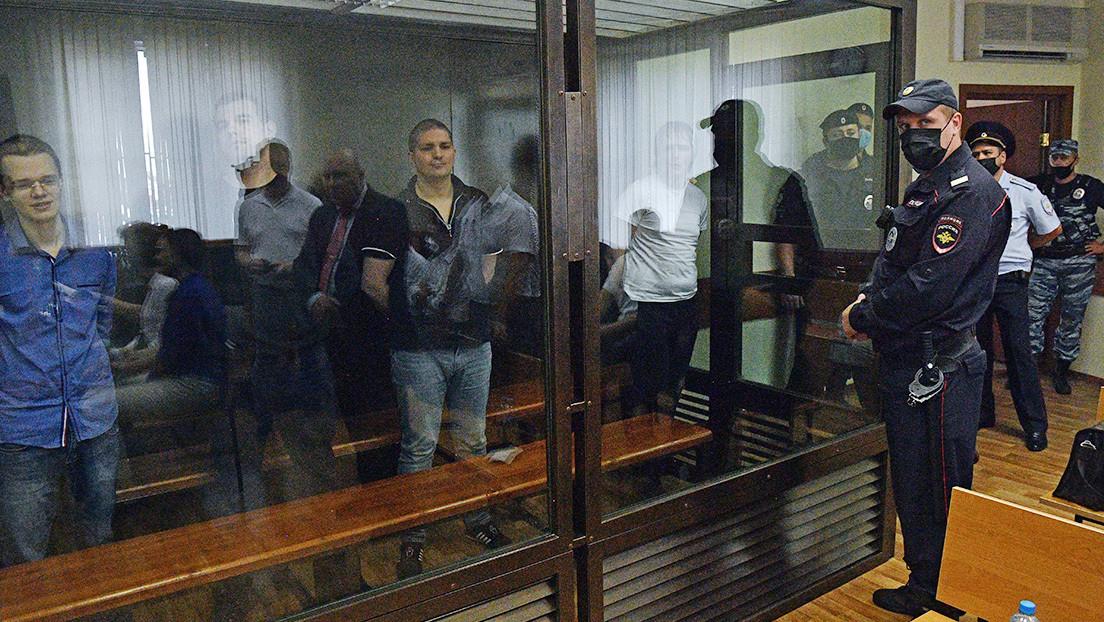 Rusia condena a 7 miembros de Nueva Grandeza a hasta 7 años de cárcel por asociación extremista