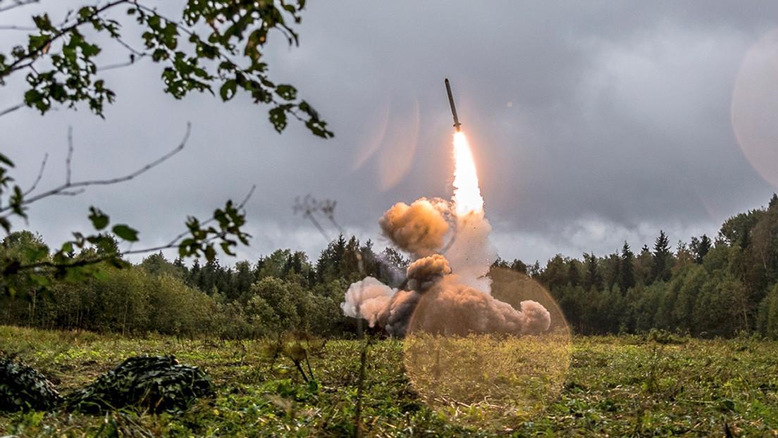 Expertos explican por qué Rusia podría responder con armas nucleares a un misil convencional