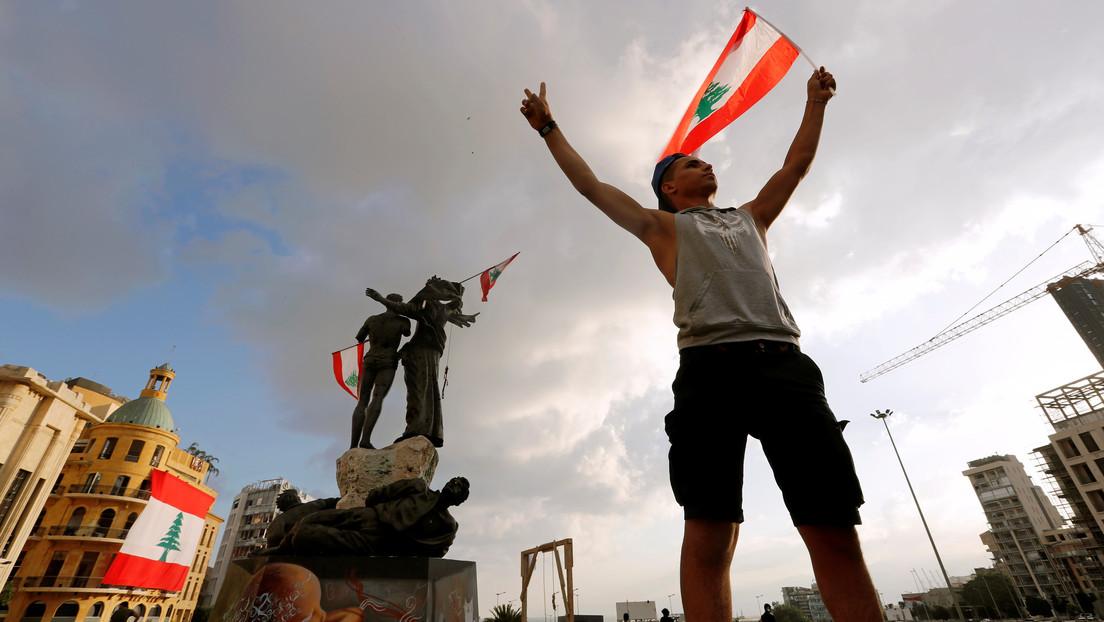 VIDEO: Manifestantes intentan asaltar el Parlamento y prenden fuego en el segundo día de protestas en Beirut