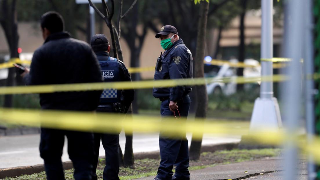 Mexicano defiende a su novia de cinco acosadores y es asesinado por la espalda