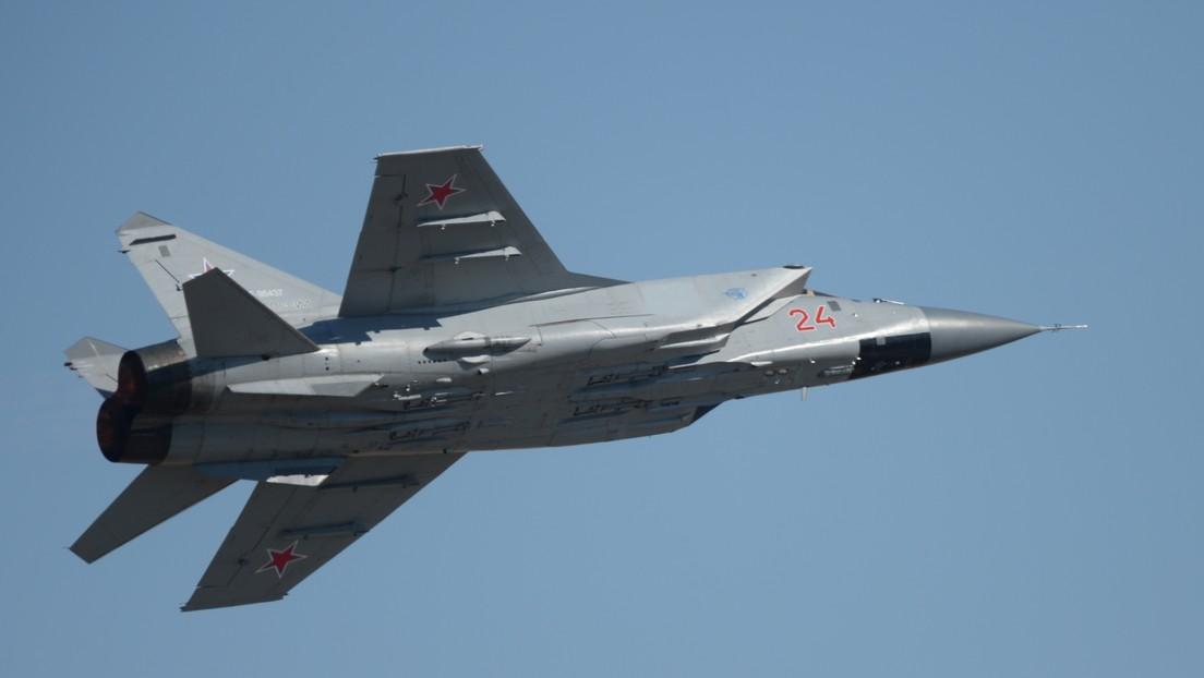 Tres cazas rusos interceptan un dron estadounidense sobre el mar de Chukotka