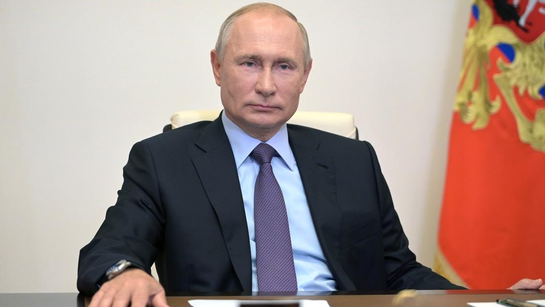 Putin anuncia que una de sus hijas se ha vacunado con la vacuna rusa contra el coronavirus