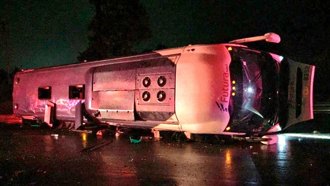 Un accidente de un autobús en el centro de México deja 13 fallecidos y 27 heridos