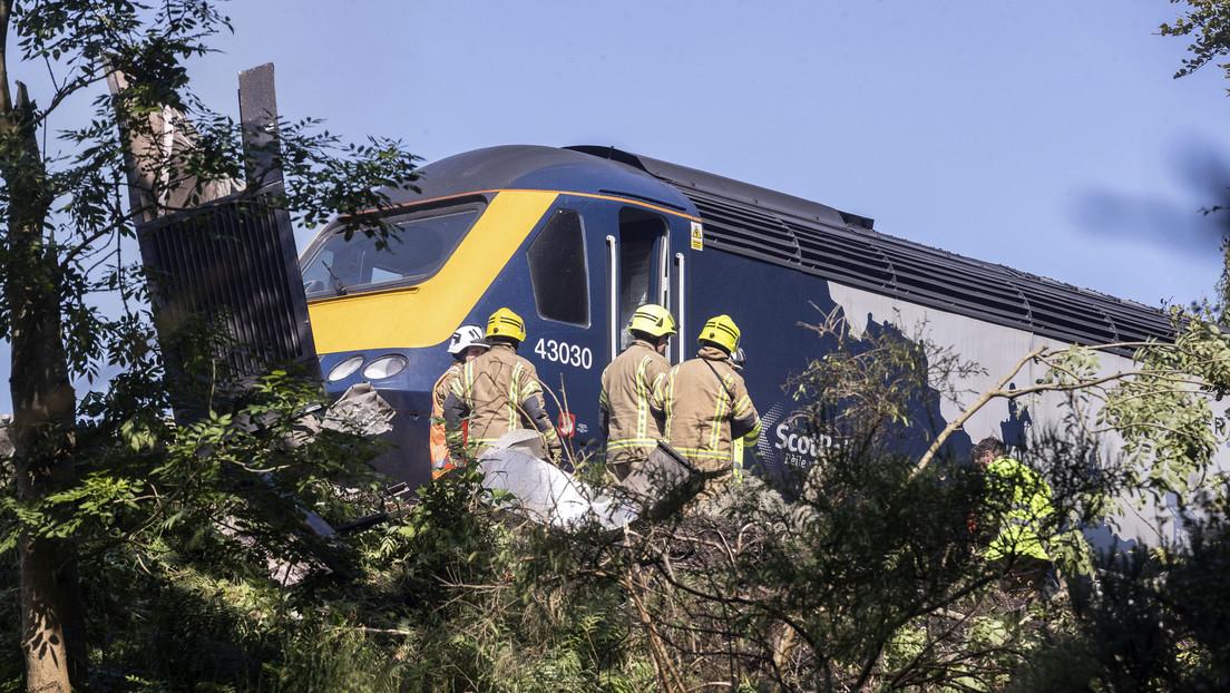 """Declaran como """"incidente grave"""" el descarrilamiento de un tren que provoca varios heridos de consideración en Reino Unido"""