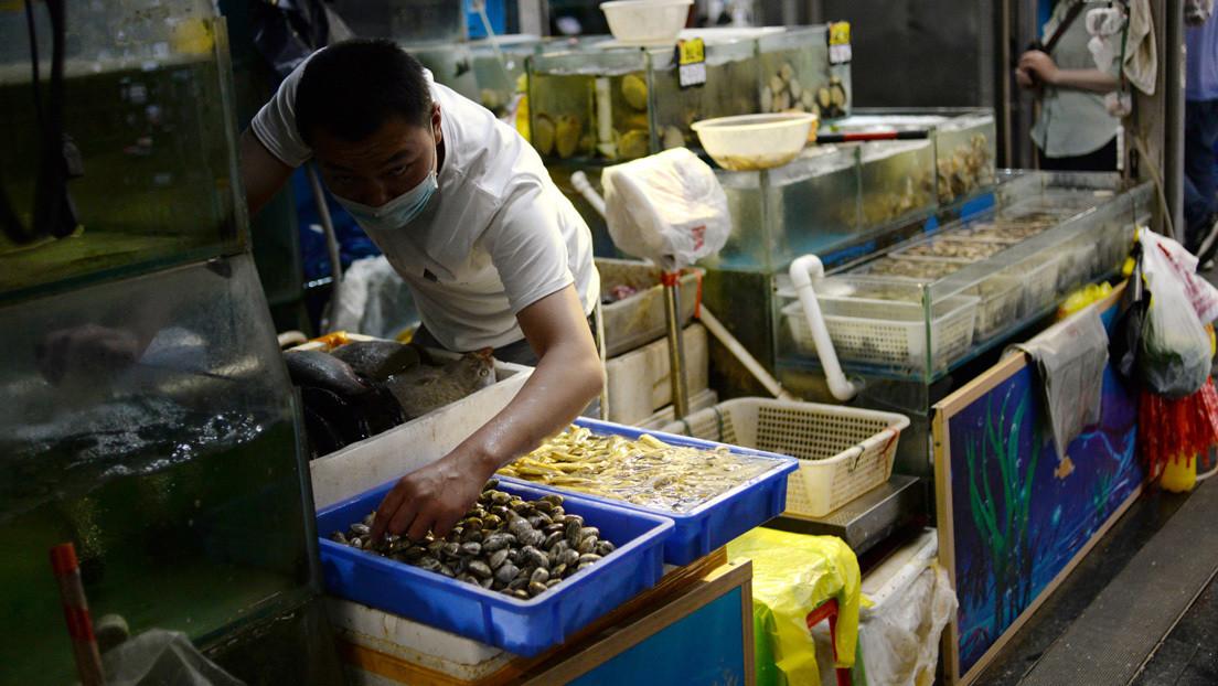 Detectan coronavirus en un empaque de camarones congelados importados desde Ecuador en un restaurante en China