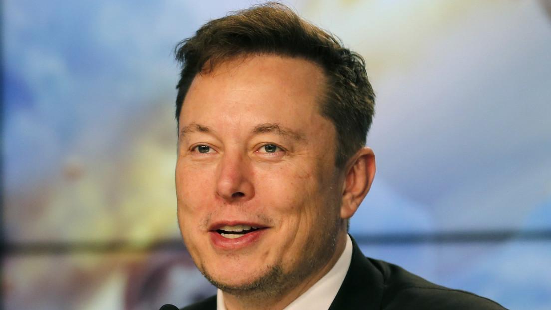 """Elon Musk pide a los internautas que lo """"destrocen"""" en Wikipedia y le conceden el deseo"""
