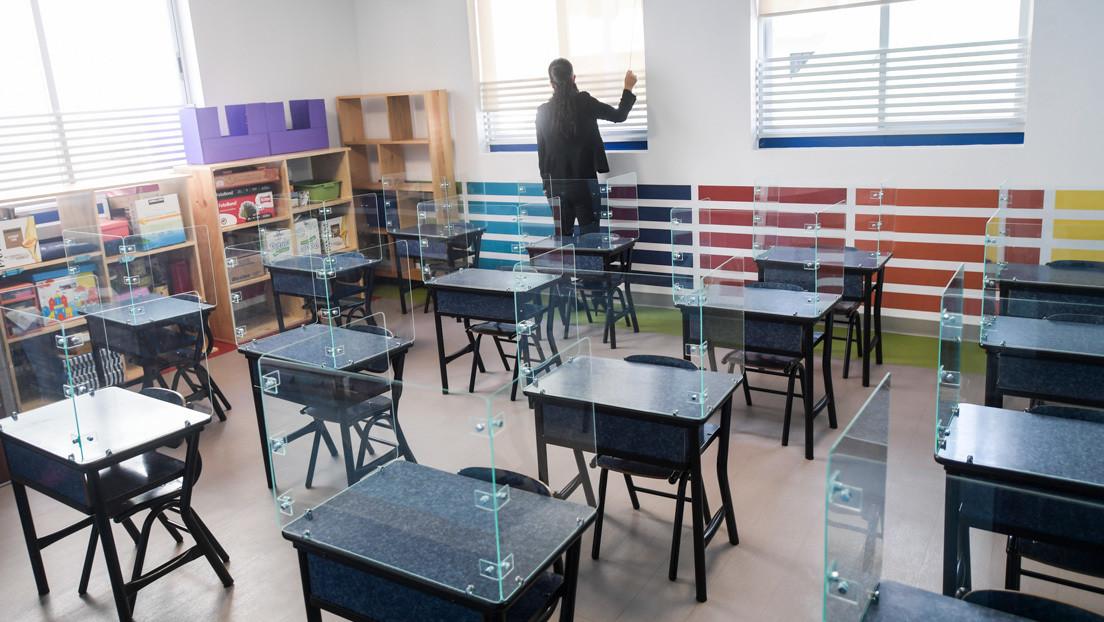 Regreso a clases por televisión con maestros y presentadores: la polémica medida de México para lidiar con la pandemia