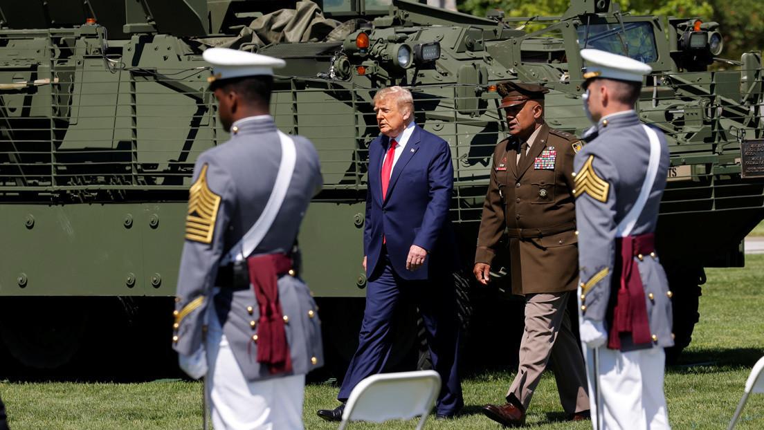 """Trump """"rechaza totalmente"""" el recorte de 2.2000 millones de dólares en la asistencia médica a los militares propuesto por el Pentágono"""
