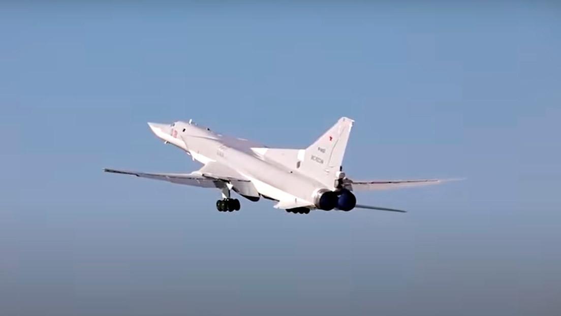 VIDEO: Los bombarderos más potentes de Rusia se entrenan en lanzamientos de misiles