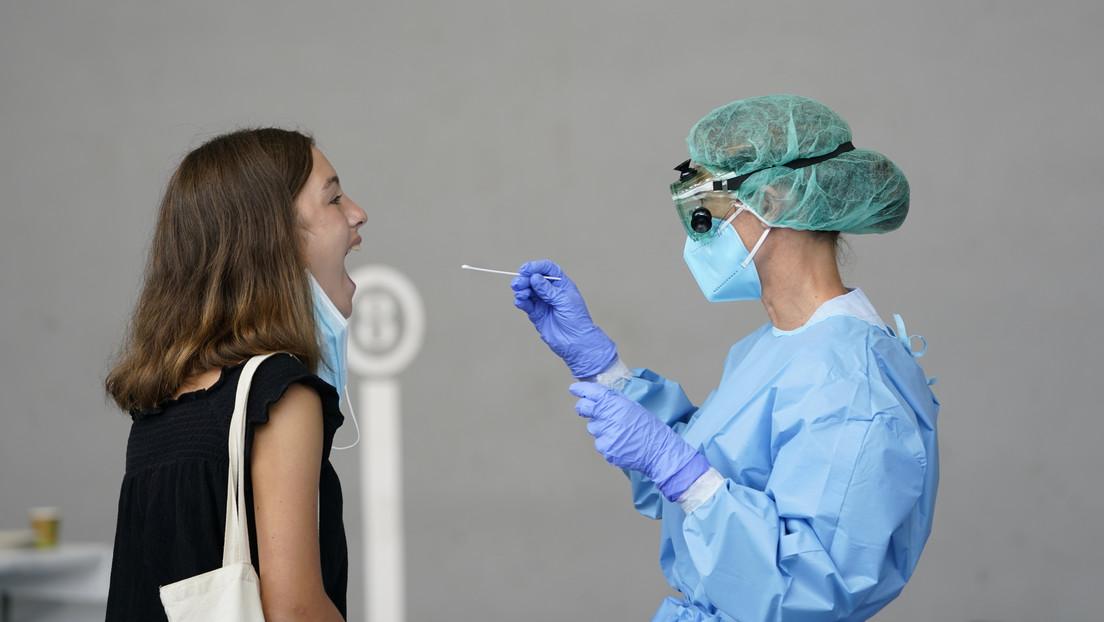"""SalivaDirect, la nueva prueba """"más simple, menos costoso y menos invasivo"""" para detectar coronavirus"""