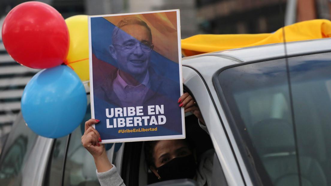 Uribe afina la estrategia tras su detención: la izquierda y la Justicia en la mira del expresidente