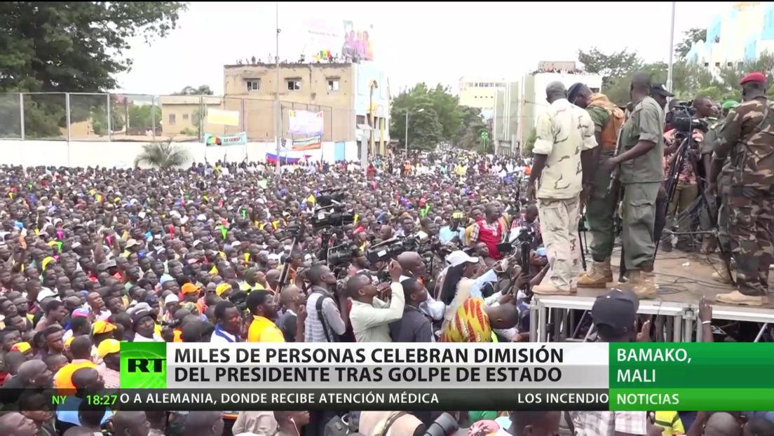 Malí: Miles de personas celebran la dimisión del presidente tras un golpe de Estado