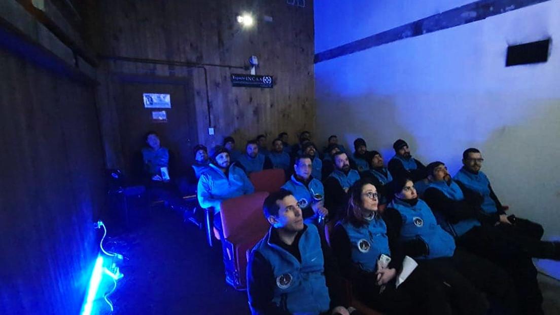 FOTOS: Argentina reabre la única sala de cine de la Antártida