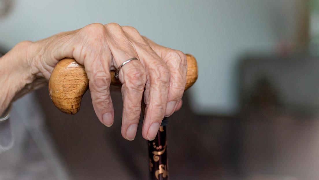 Dos trabajadoras maltratan a una anciana en una residencia en España y lo graban en un video