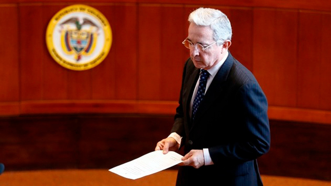 La Procuraduría de Colombia pide que se mande el caso del expresidente Uribe a la Fiscalía