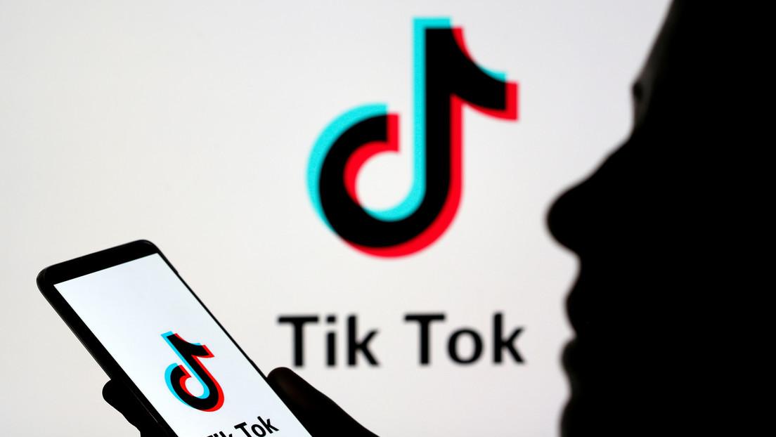 VIDEO: Usuarios de TikTok se hacen pasar por víctimas del Holocausto en un 'flashmob' y desatan indignación y acusaciones de antisemitismo