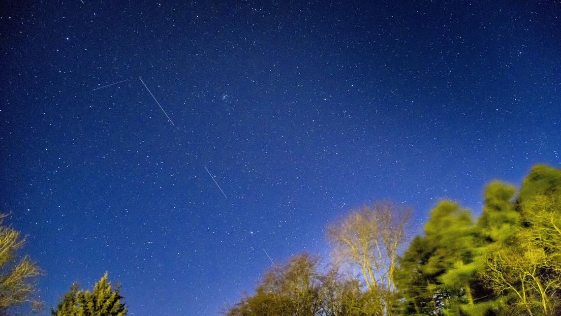 Los expertos advierten que las constelaciones de satélites como Starlink de SpaceX estropearán la observación de las estrellas en el cielo nocturno