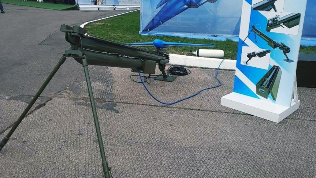Presentan una plataforma universal rusa para el lanzamiento de drones durante la feria militar Army 2020 thumbnail