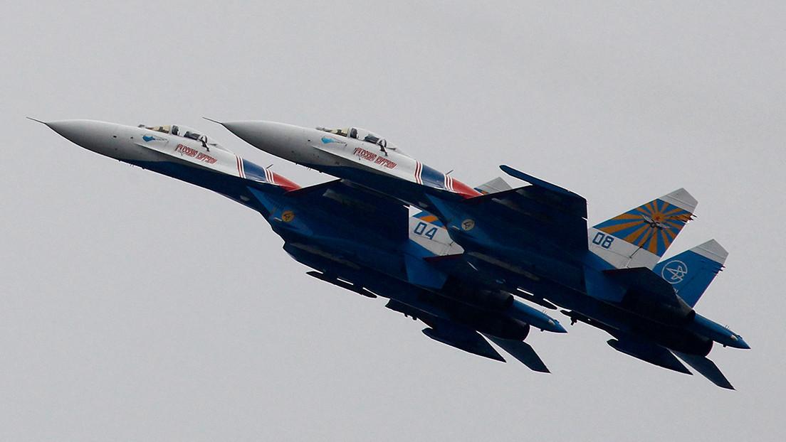 Un Su-27 ruso intercepta un avión de reconocimiento estadounidense sobre el mar Negro