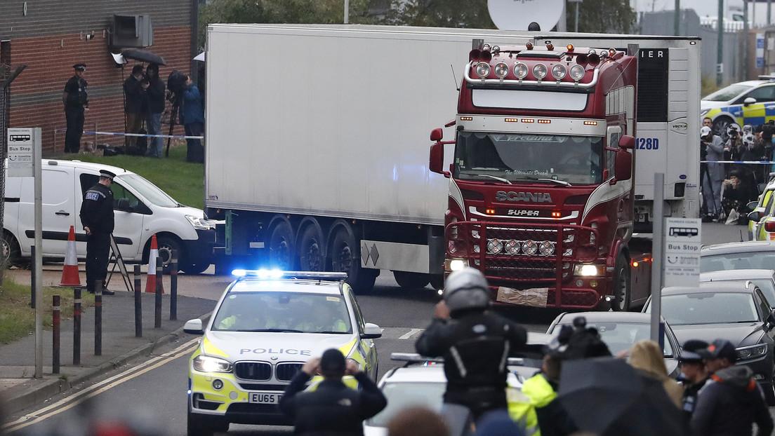 Transportista británico se declara culpable de homicidio involuntario de 39 inmigrantes vietnamitas encontrados muertos en un contenedor