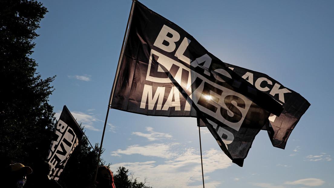 Una adolescente organiza una manifestación a favor de Black Lives Matter y recibe un factura de 2.500 dólares para pagar las horas extra de la Policía
