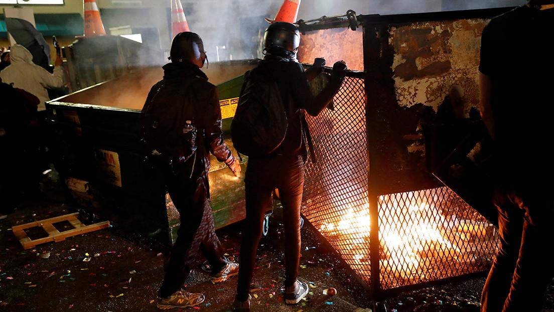 """El jefe del Departamento de Seguridad Nacional de EE.UU. sobre las protestas en Portland: """"Todas las opciones están sobre la mesa"""""""