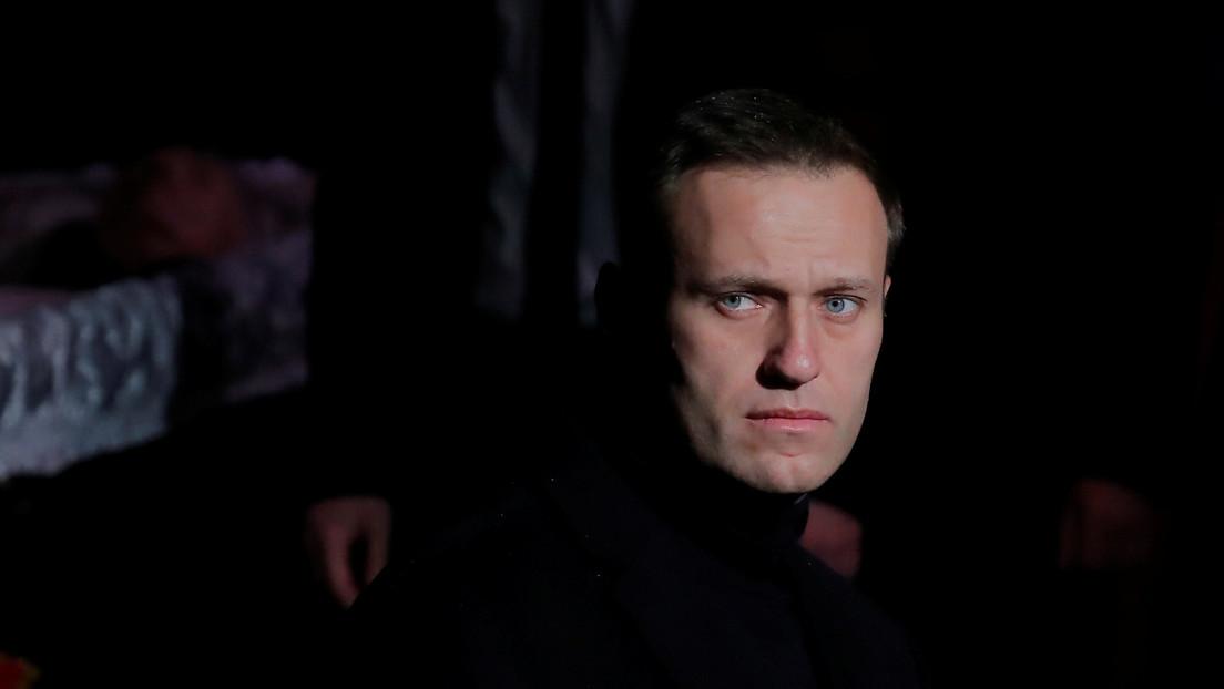 Expertos internacionales explican por qué son deficientes las teorías de que las autoridades rusas querían envenenar a Navalny