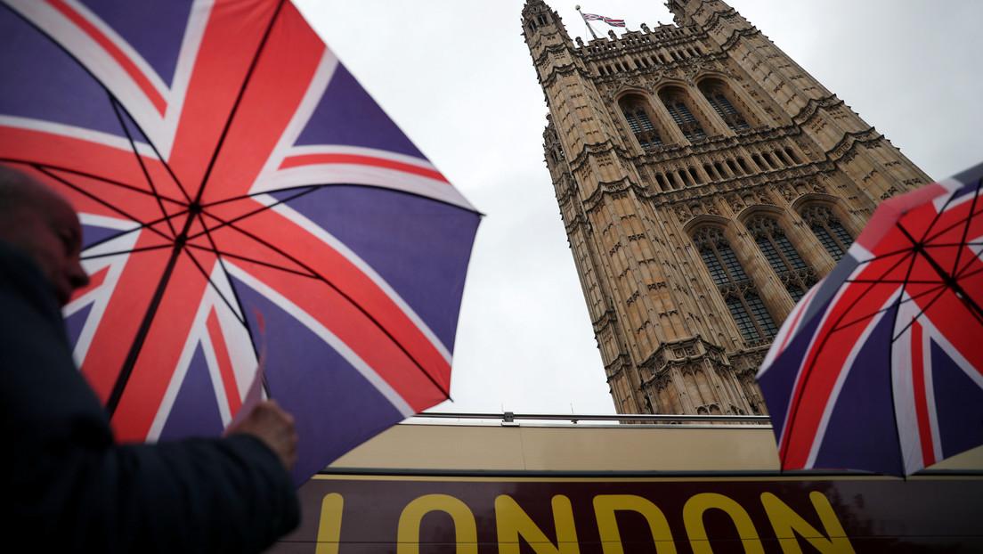 Ministro de Finanzas británico estudia la mayor subida de impuestos en décadas para hacer frente a la crisis financiera del covid-19