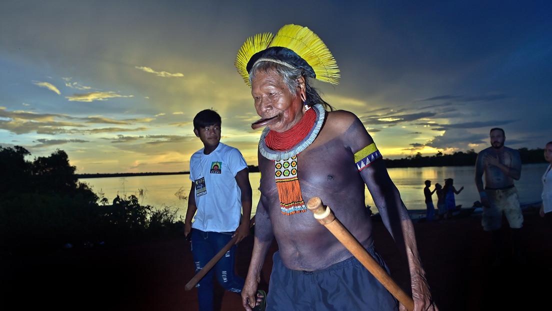 El histórico líder indígena Raoni Metuktire, de 89 años, es hospitalizado con coronavirus en Brasil