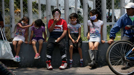 México anuncia el regreso a clases por televisión debido a epidemia de covid-19