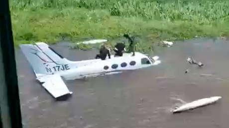 """Venezuela inutiliza """"aeronave del narcotráfico"""" con siglas estadounidenses que ingresó en un """"vuelo furtivo"""" por el estado Zulia"""