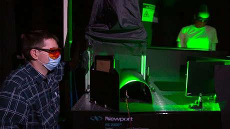 VIDEO: Nuevo experimento con láser revela qué mascarillas faciales son las más eficaces para reducir la propagación del coronavirus