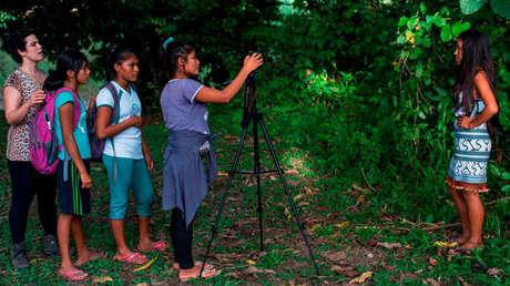 Cómo un proyecto de diccionarios audiovisuales en Perú rescata el orgullo de los pueblos indígenas por su lengua
