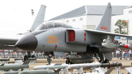 "JH-7A bomber of PLA Air Force at ""Airshow China 2014"" at Zhuhai. 11NOV14 JH-7A bomber of PLA Air Force at ""Airshow China 2014"" at Zhuhai. 11NOV14 (Photo by Dickson Lee/South China Morning Post via Getty Images)"